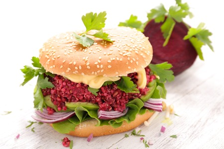 remolacha: hamburguesa vegetariana de remolacha