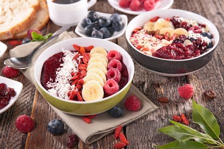 acai berry: acai berry smoothie bowl