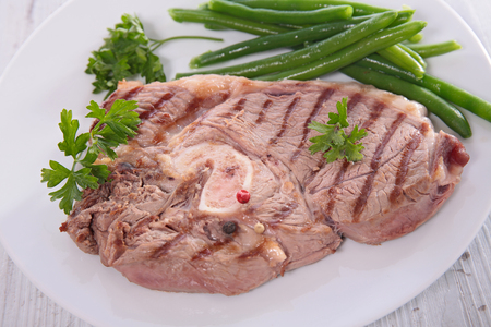 lamb chop: grilled lamb chop and green bean Stock Photo