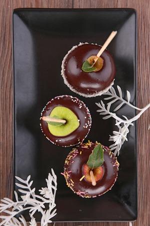 taffy: chocolate sweet apple