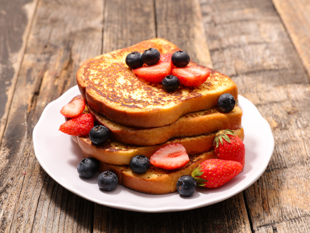 french toast with berry 写真素材