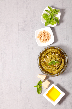 ingredient: pesto sauce with ingredient