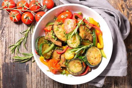 ratatouille, fried vegetable and herbs Zdjęcie Seryjne