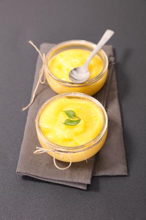curd: lemon curd