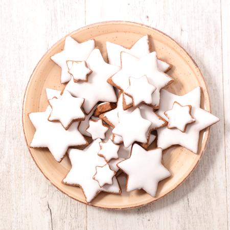gingerbread cookie: gingerbread cookie