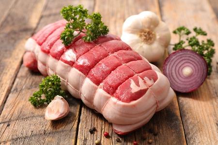 raw roast beef Standard-Bild