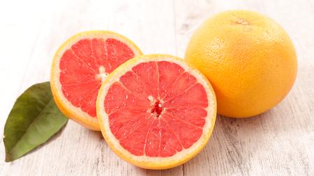 pink grapefruit 版權商用圖片 - 78949574