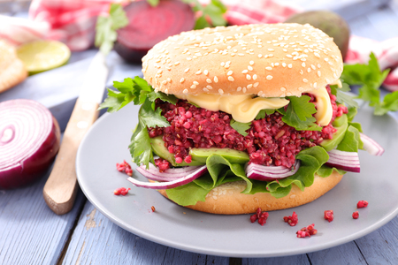 vegetarian hamburger: vegan burger
