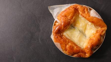 baked cheese fondue Stock Photo - 86443455
