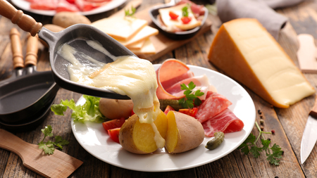 raclette cheese melted Stockfoto