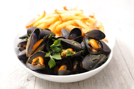 mussel and french fries