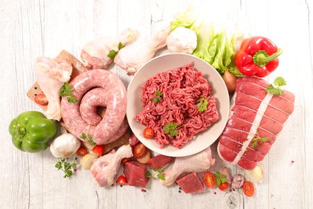 carnes: carnes crudas surtidas