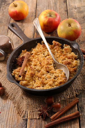 homemade apple crumble 스톡 콘텐츠
