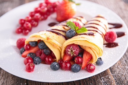 crepe with berry fruit