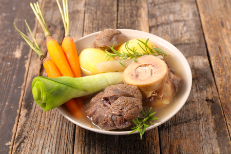 pot au feu, beef with broth and vegetable Banque d'images