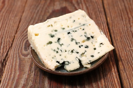 fresh blue cheese Stock Photo - 94495747