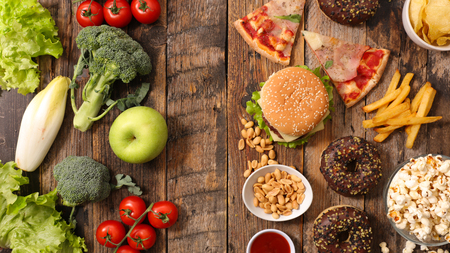 unhealthy or healthy food Banque d'images