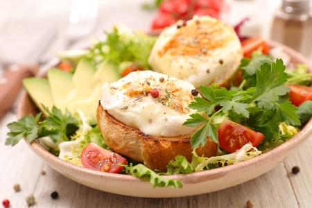 goat cheese salad Standard-Bild