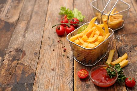 patatine fritte e ketcup