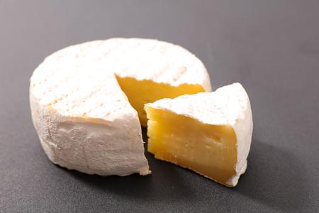 fresh camembert Stock Photo - 97355528