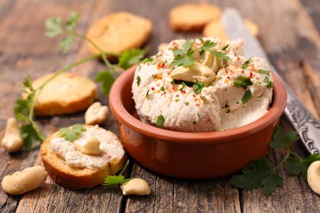 vegan cheese with cashew nut