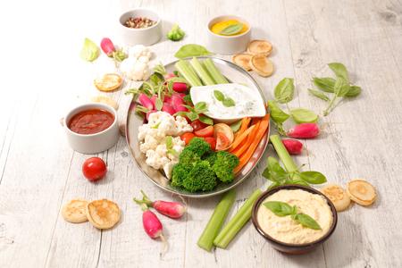 légumes et trempette Banque d'images