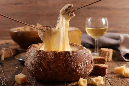 cheese fondue in bread bowl