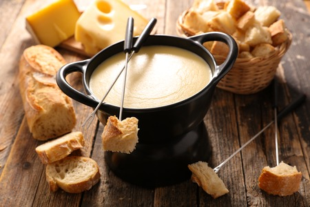 cheese fondue with wine and bread 스톡 콘텐츠