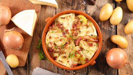 tartiflette, potato with cheese, bacon and cream Stock fotó