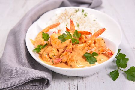 shrimp with cream and spices and rice