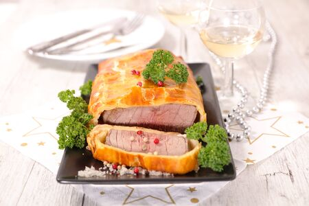baked beef fillet and dough Stockfoto