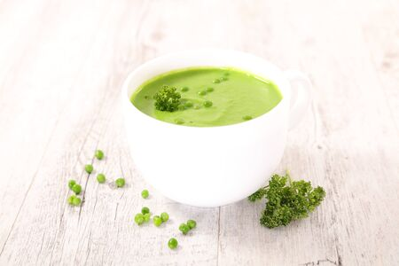 bowl of pea soup, green vegetable soup