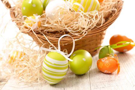colored easter egg and bow Фото со стока