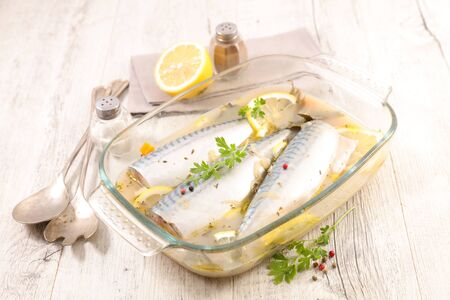 mackerel fish with olive oil and lemon
