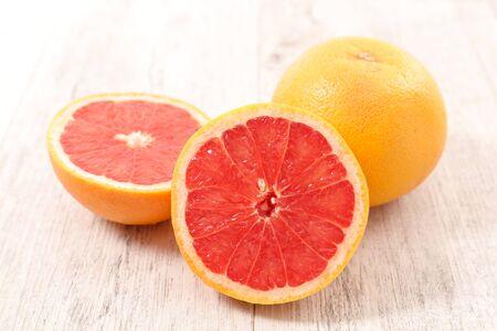 tranche de pamplemousse rouge - vitamine, juteuse