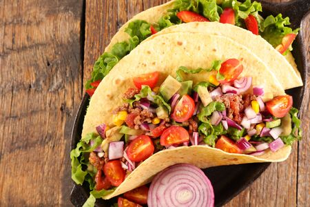 fajitas with vegetable, minced meat and lettuce