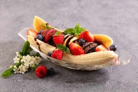 banana split- banana, ice cream with fresh fruit
