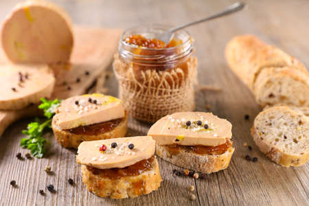 candied onion and toast with foie gras