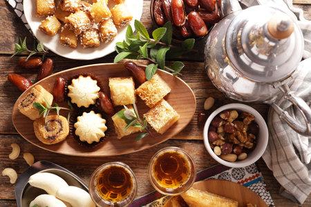 assorted of oriental pastry and mint tea 版權商用圖片