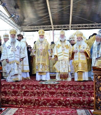 rus: Kiev, Ukraine, celebration liturgy in honor of the baptism of Rus in Kiev Pechersk Lavra - 27 July 2013 -: Patriarch Kirill and the other bishops on the liturgy in Kiev, in the Kiev Pechersk Lavra. They stand at the pulpit Editorial