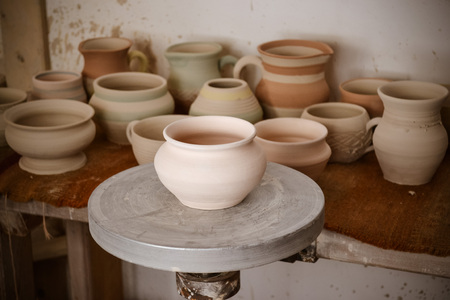 many clay pot is on the table in pottery Archivio Fotografico