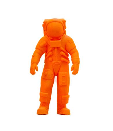 Helder kleurrijk voorwerp dat door 3d printer wordt gedrukt. Geïsoleerd op witte achtergrond Automatische driedimensionale 3D-printer voert plastic groene kleurenmodellering in laboratorium uit. Moderne 3D-printtechnologie. Stockfoto - 81965675