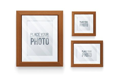 Set of empty frames wood in various format.Realistic wood,transparent glass,3D element .Design Template For Mock Up. Vettoriali