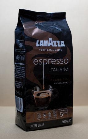 Coffee beans Lavazza, 500 g. Torino, Italia, 1895. Espresso Italiano. Classico 100% Arabica. Ideal for black coffee and latte