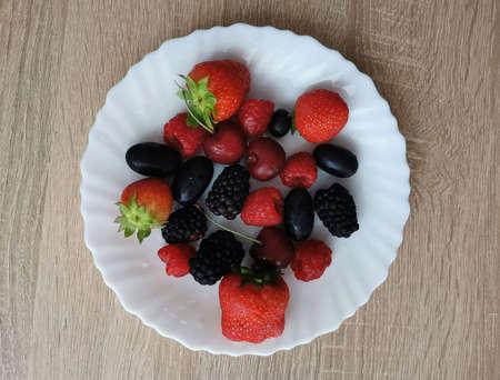 Summer berries for brain health