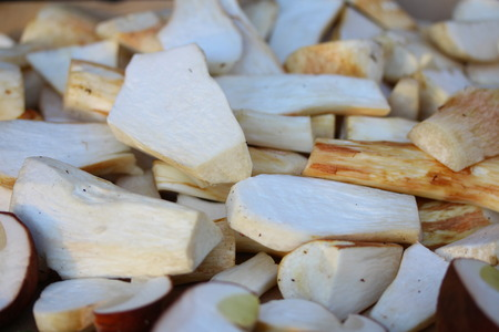 cepe: Sliced white mushrooms