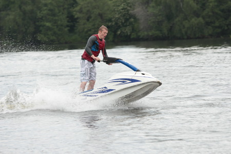 jet ski: Photo Action Man sur jet ski. Banque d'images