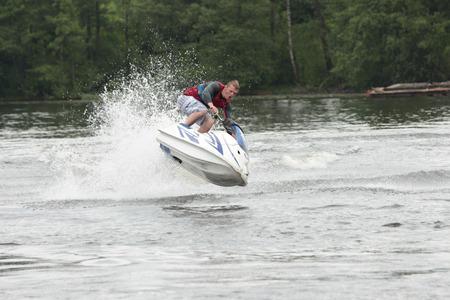 moto acuatica: Action Fotografía Hombre en seadoo. Trucos Jet Ski.