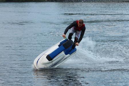 jet ski: Action Fotograf�a Hombre en seadoo. Trucos Jet Ski.