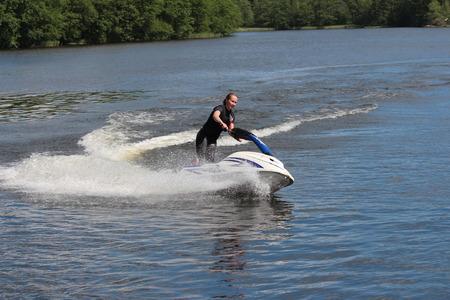 moto acuatica: Chica Action Fotografía en jet ski.